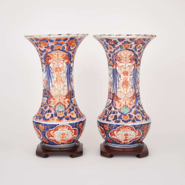 A Pair of Large Imari Vases, Late 19th/Early 20th century