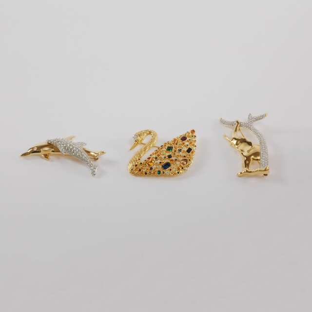 Five Swarovski Crystal Small Animal Figurines, Two Christmas Ornaments and Three Brooches, late 20th/early 21st century