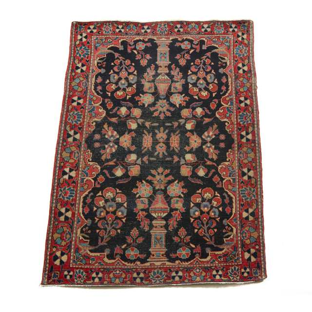 Sarouk Rug, Persian, early to mid 20th century