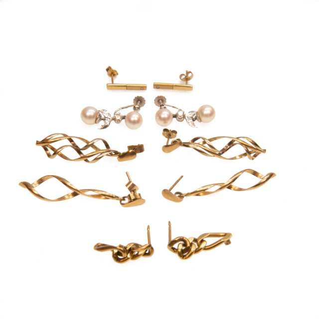 5 X Pairs of 9K Gold Earrings