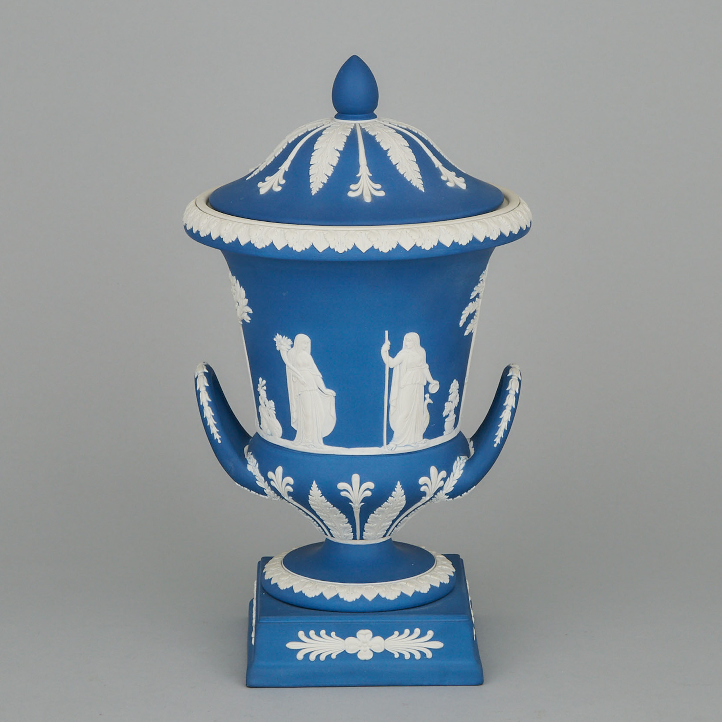 Wedgwood Blue Jasper-Dip Vase and Cover, 20th century