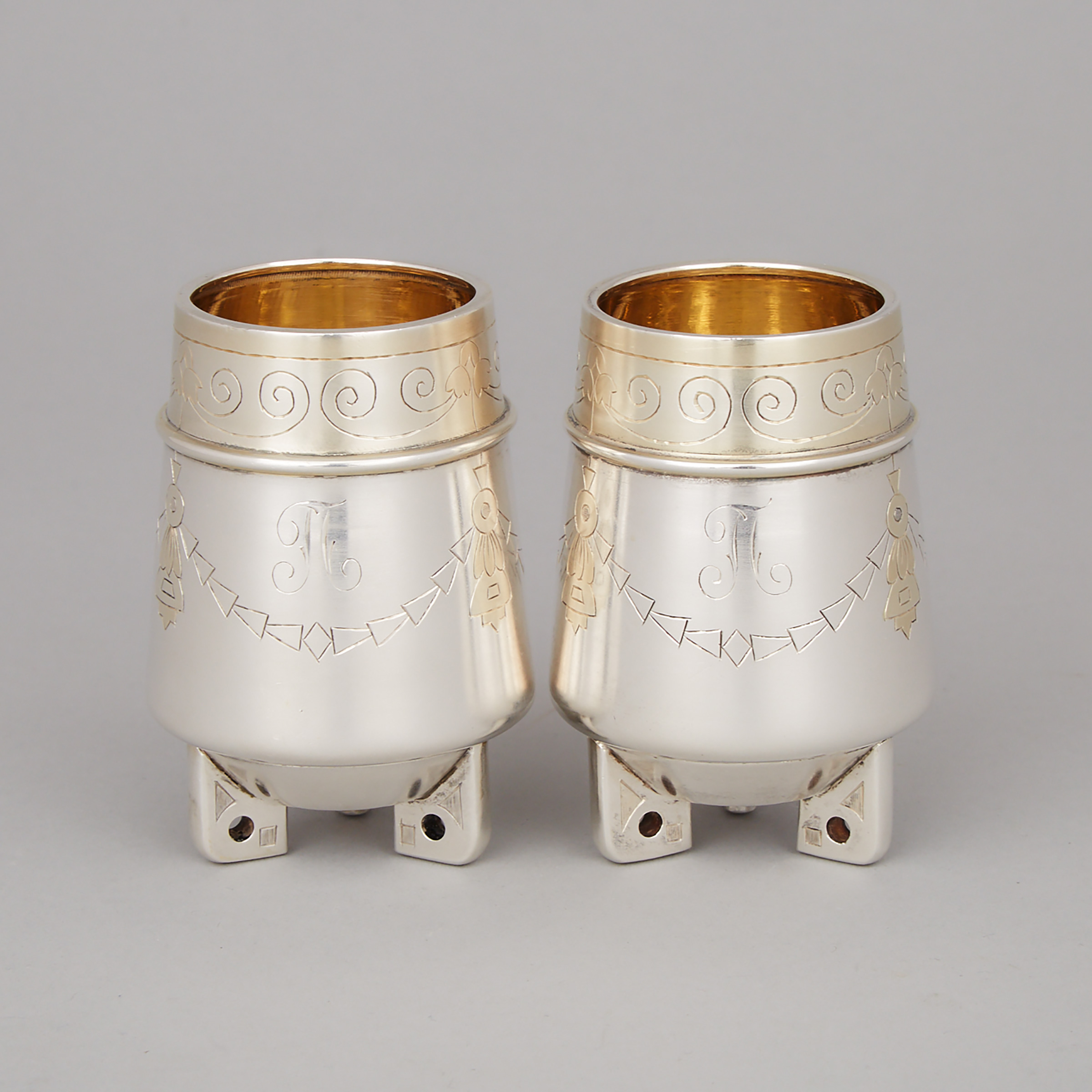 Pair of Russian Silver Small Vases, Ivan Khlebnikov, Moscow, c.1908-17