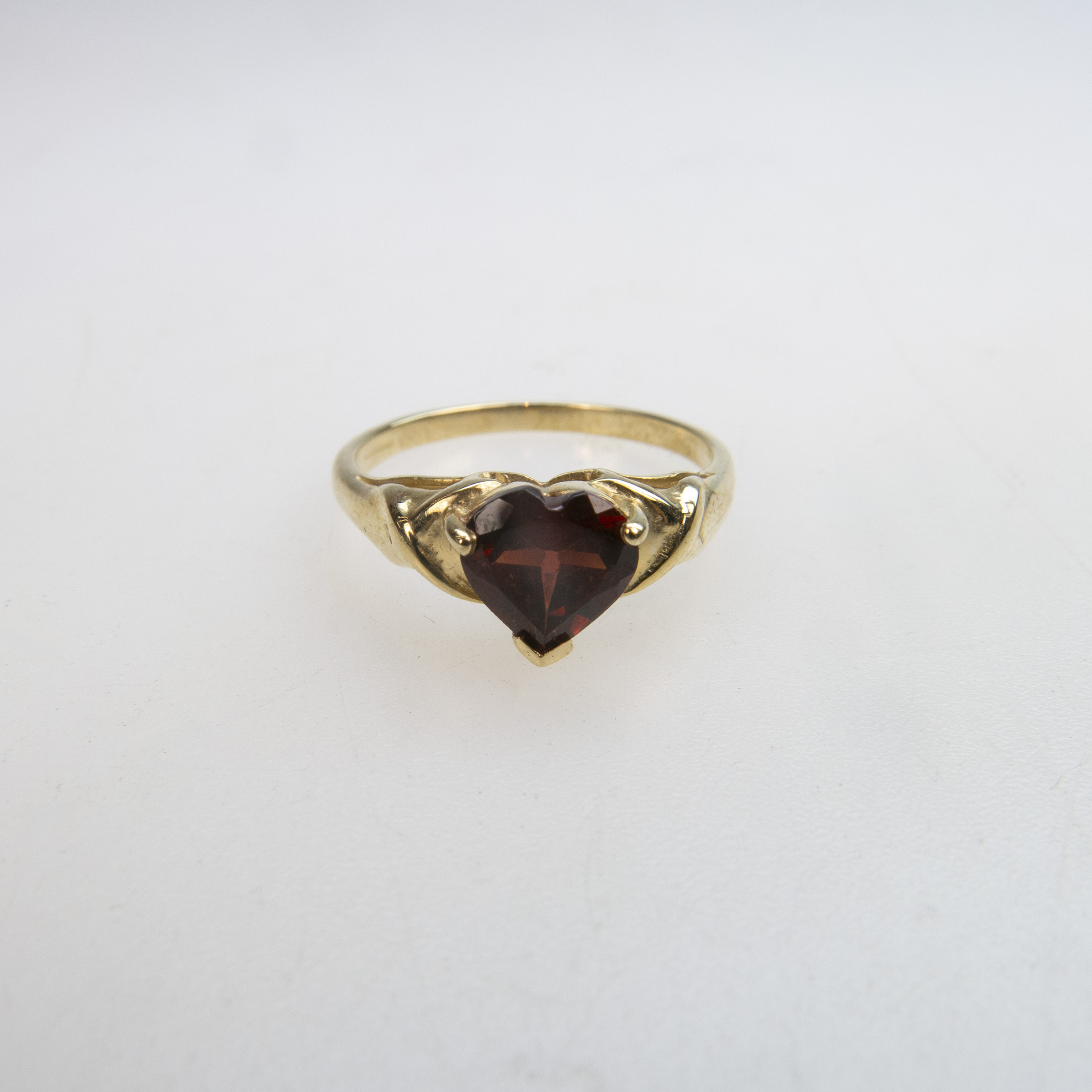 English 9k Yellow Gold Ring