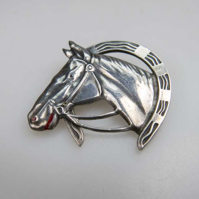Uncas Manufacturing Co. Sterling Silver Pin