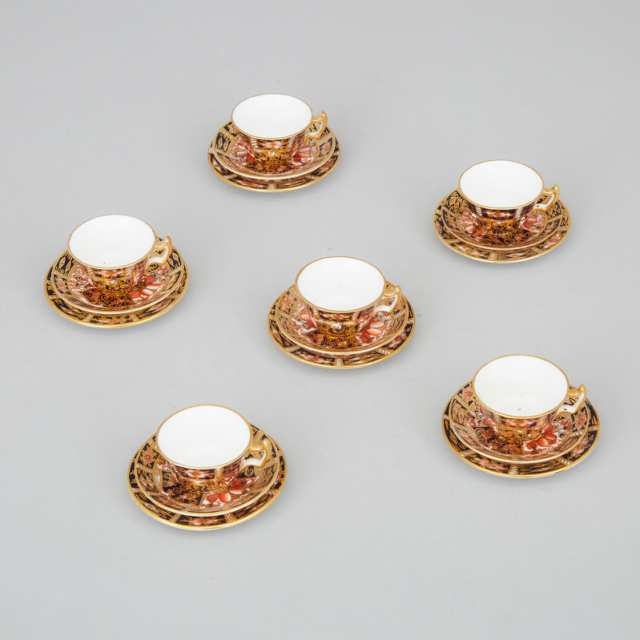 Six Royal Crown Derby 'Imari' (2451) Pattern Miniature Cups and Saucers and Six Plates, 20th century