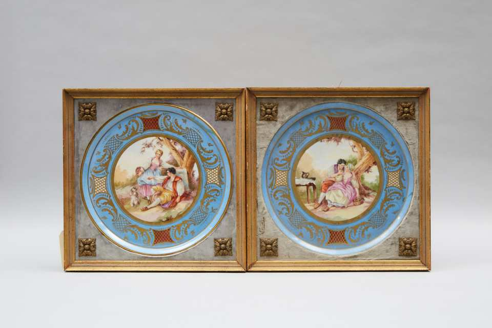 Pair of 'Sèvres' Circular Plaques, early 20th century