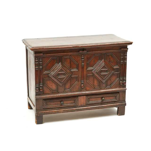Jacobean Panelled Oak Chest, 16th/early 17th century