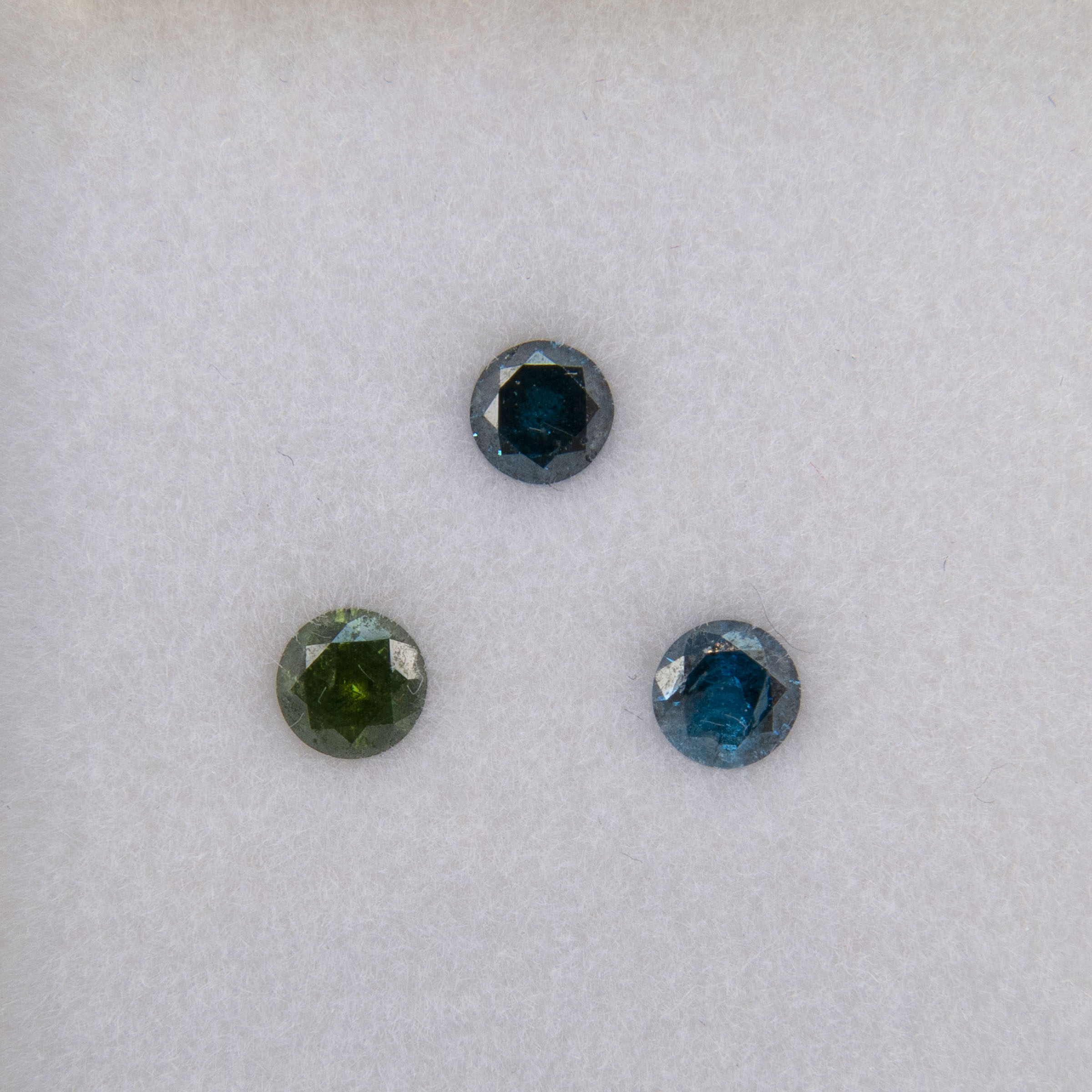 Green And 2 Blue Brilliant Cut Enhanced Colour Diamonds