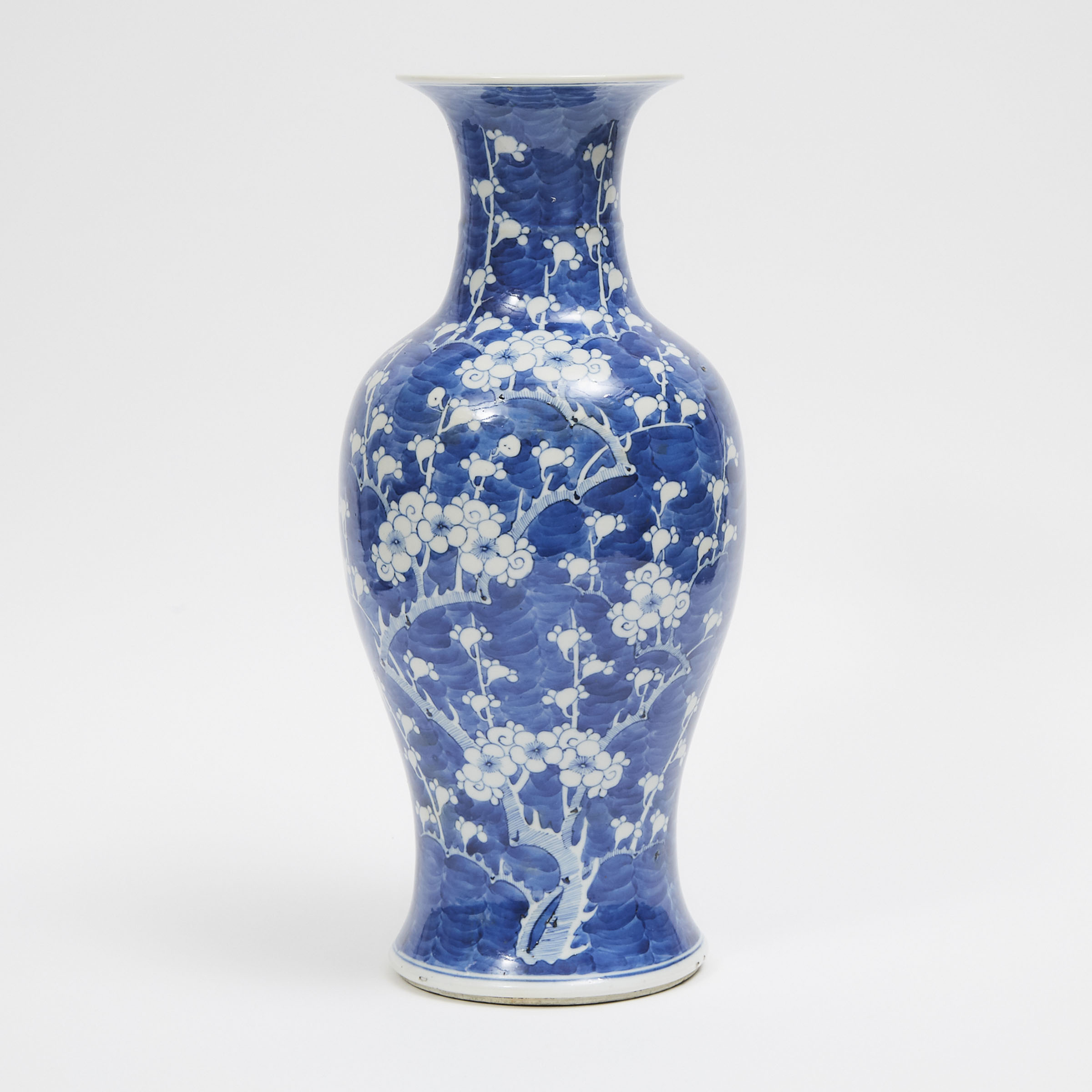 A Blue and White Porcelain 'Prunus' Vase, Qing Dynasty