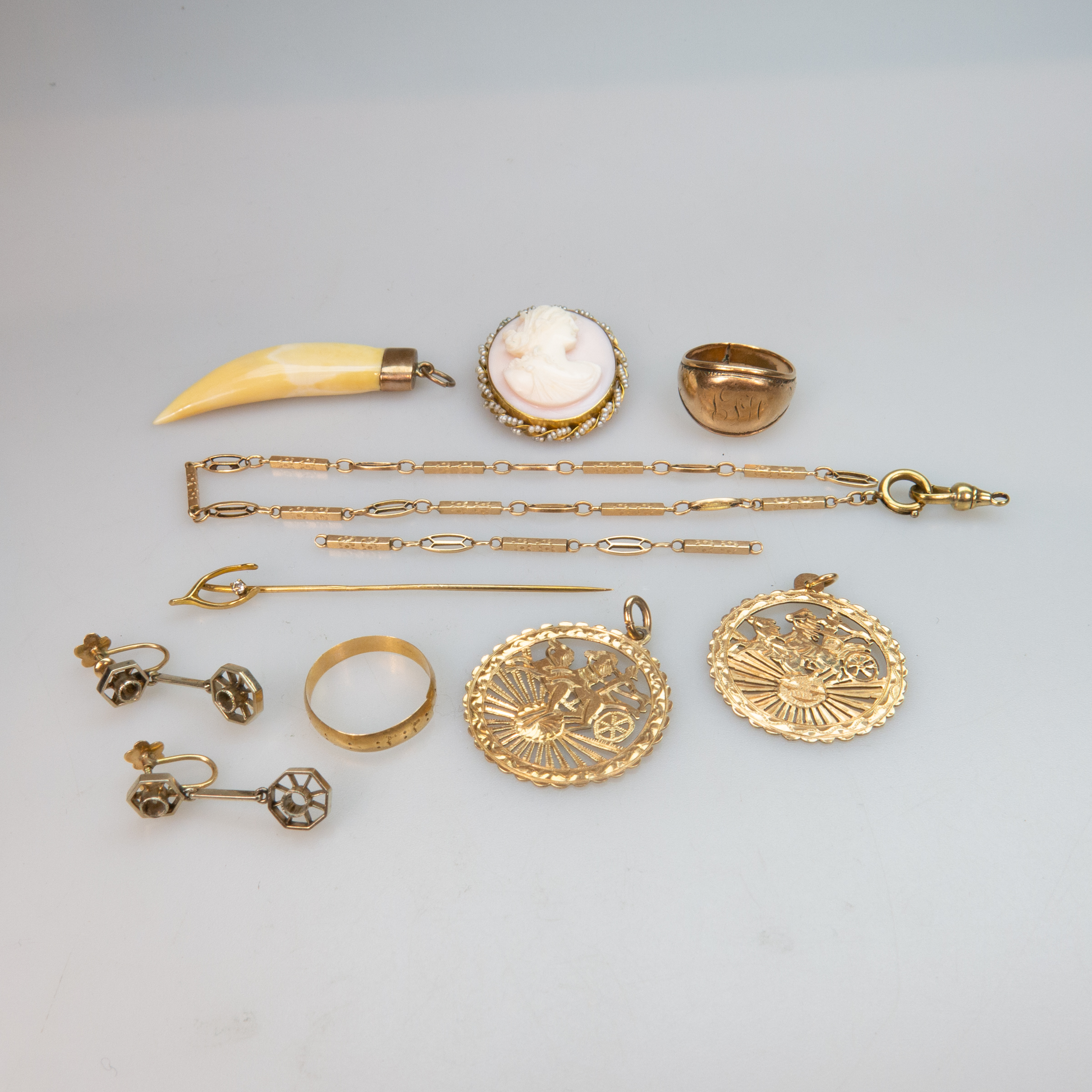 Small Quantity Of Various Gold Jewellery