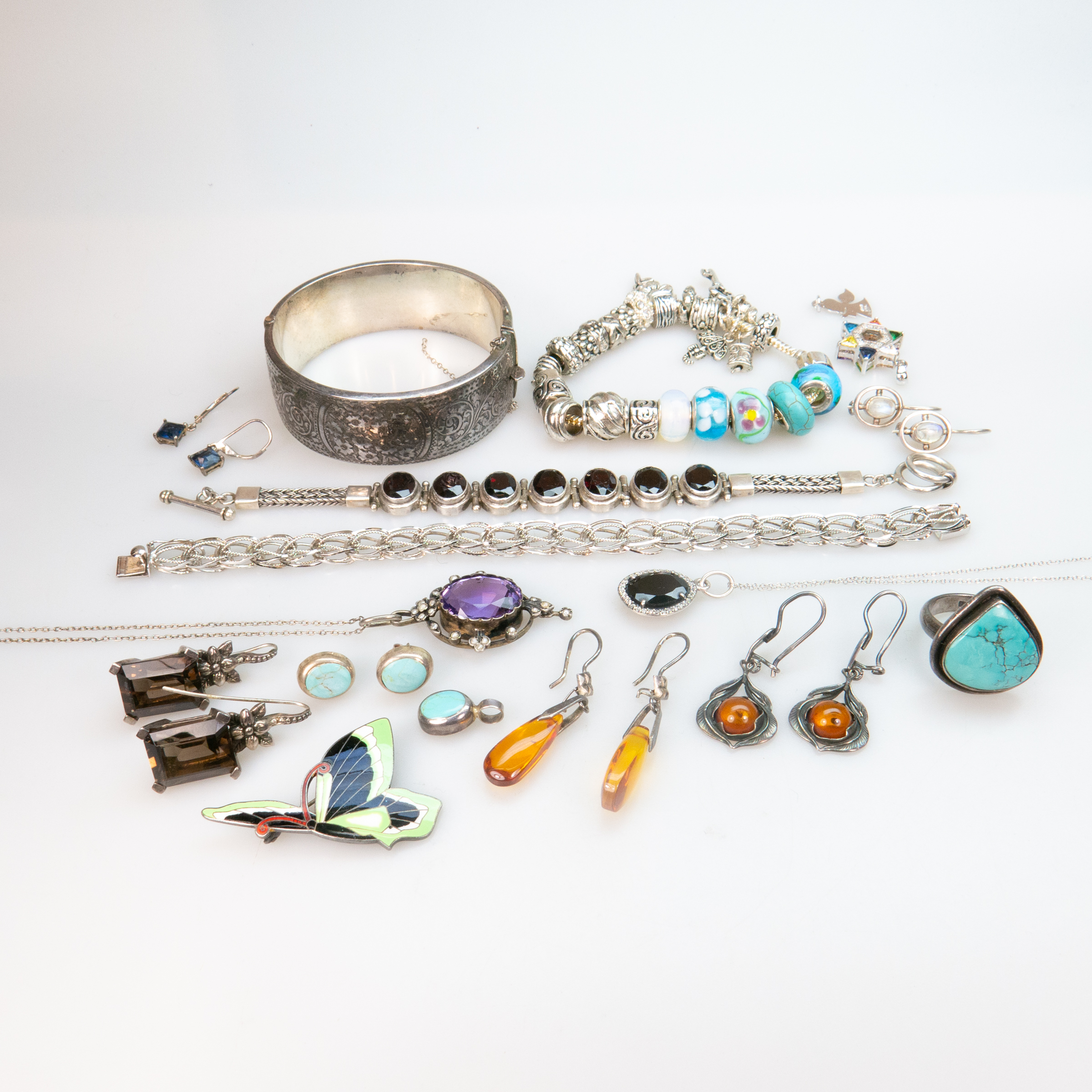 Small Quantity Of Various Silver Jewellery