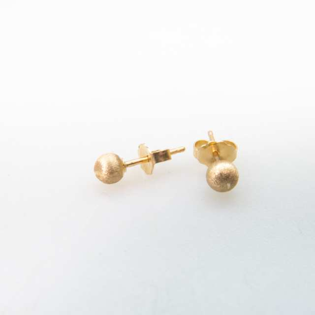 31 x Pairs Of 14k Yellow Gold Stud Earrings