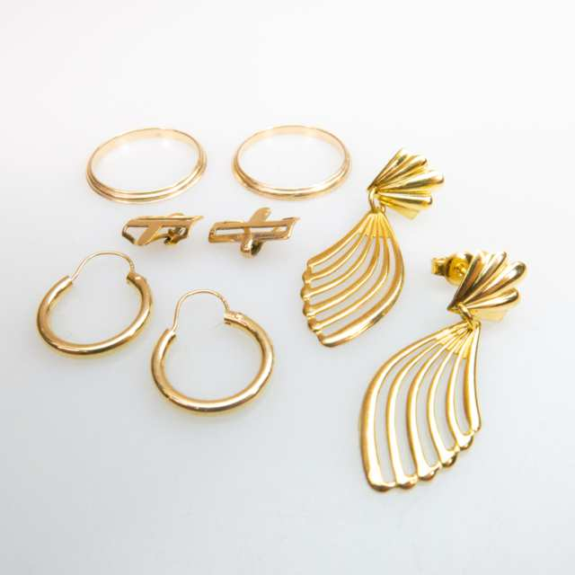 Small Quantity Of 14k Yellow Gold Jewellery