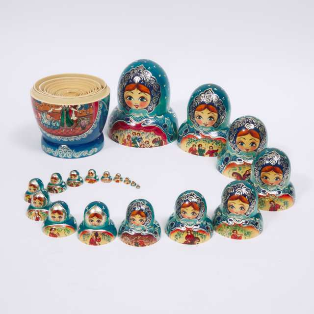 Set of 20 Matryoshka Nesting Dolls, late 20th century