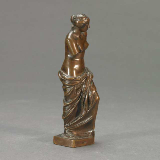 Small Patinated Bronze Model of the Venus de Milo, 19th century