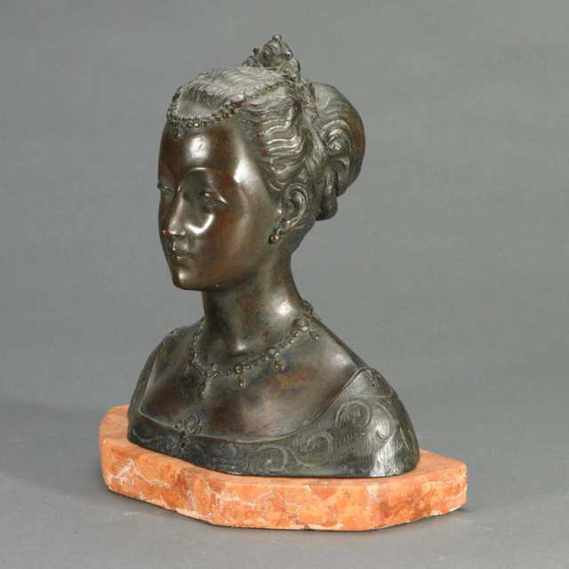 Patinated Bronze Bust of a Renaissance Maiden, Possibly Beatrice d'Este, late 19th century