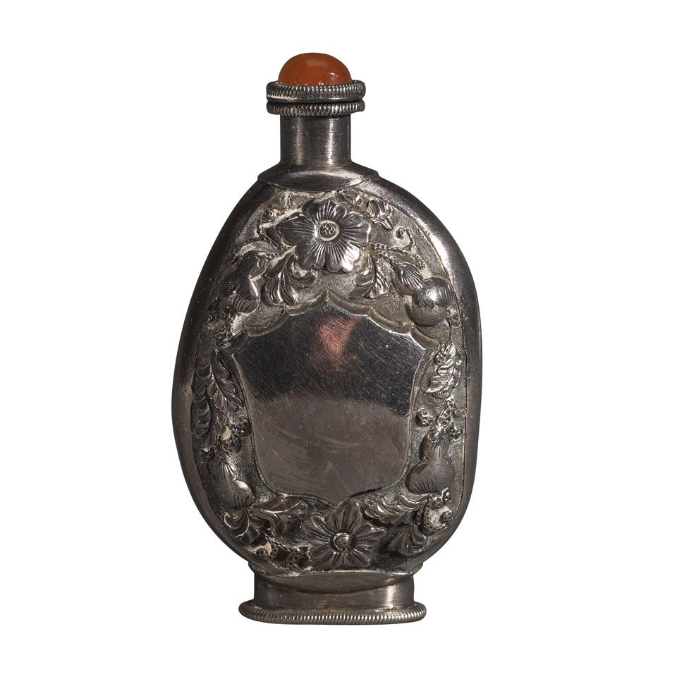 Jade Pebble and Silver Mounted Snuff Bottle, 19th Century