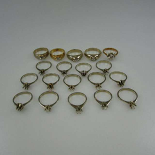 19 x 18k Gold Ring Mounts