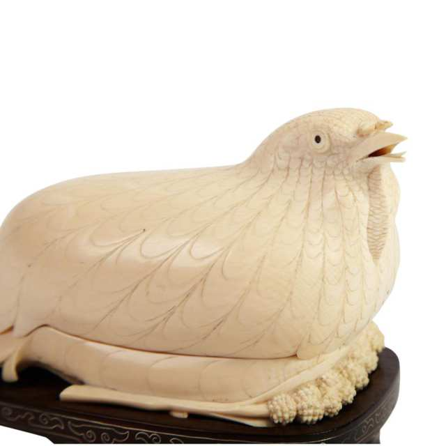 Ivory Carved Quail-Form Box and Cover, 19th Century