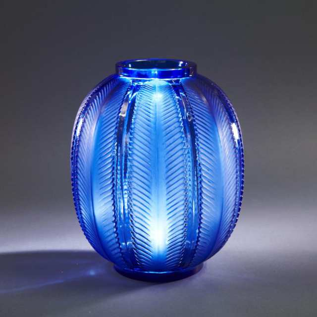 'Biskra', Lalique Moulded Blue Glass Vase, 1930s