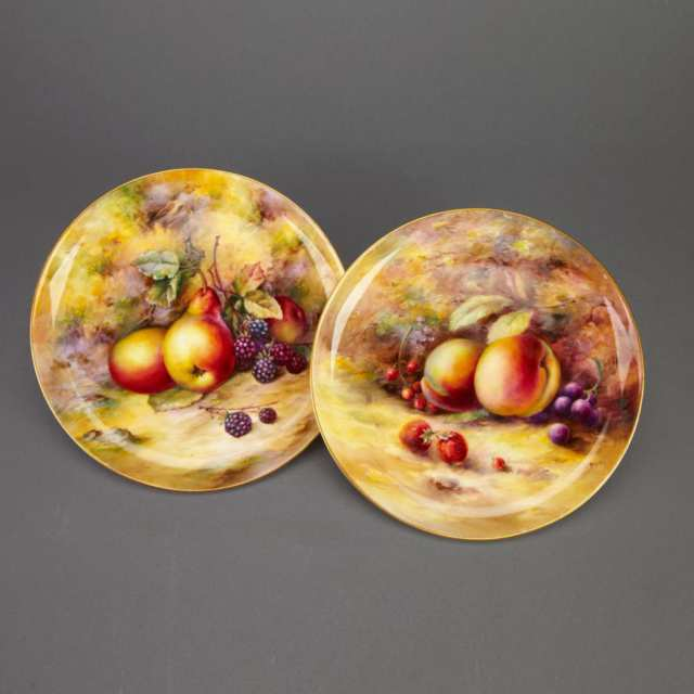 Pair of Royal Worcester Fruit Plates, Harry Stinton and William Bagnall, 1928