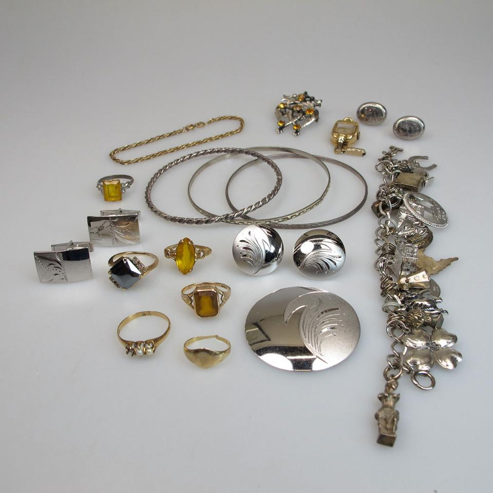 Small Quantity Of Gold And Silver Jewellery