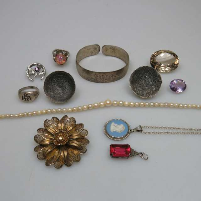 Small Quantity Of Silver Jewellery, Etc