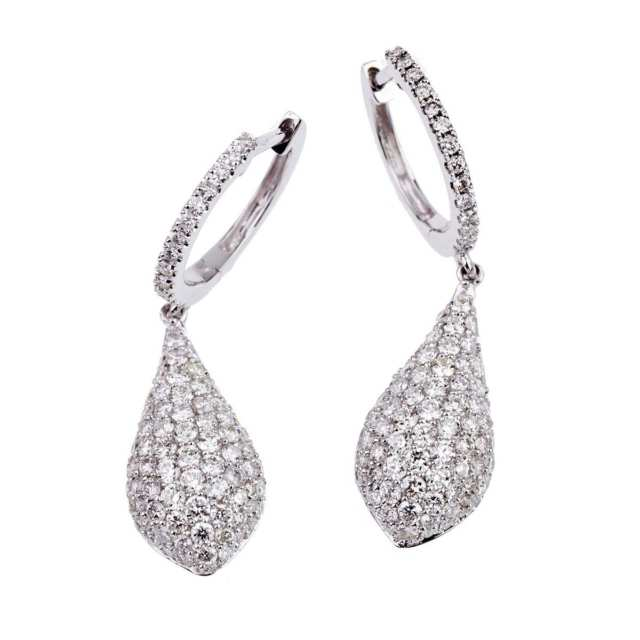 Pair Of 18k White Gold Drop Earrings