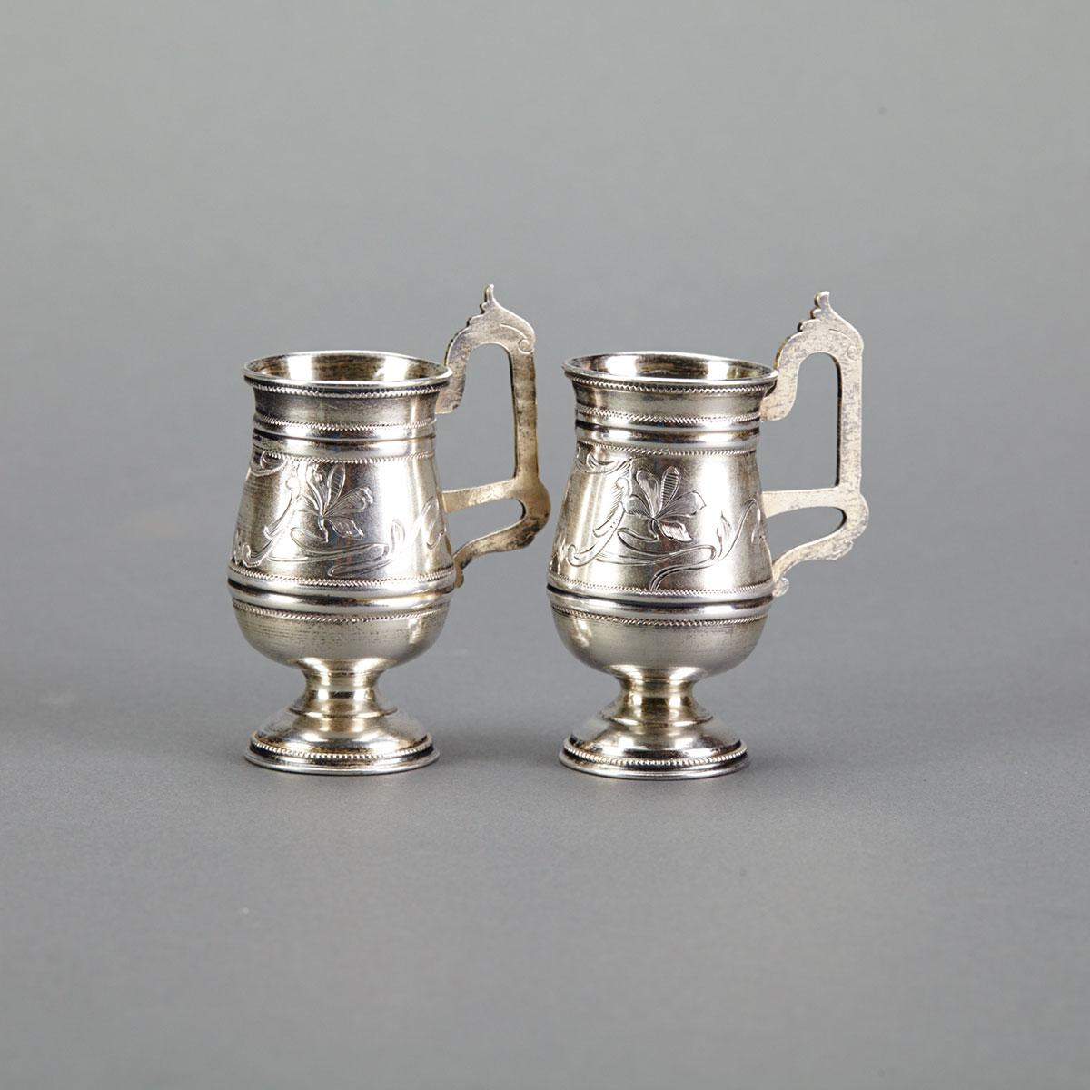 Pair of Russian Silver Charkas, Alexander Krivovichev, Moscow, 1899-1908