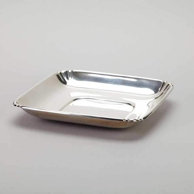 American Silver Square Serving Dish, Wallace Silversmiths, Wallingford, Ct., 20th century