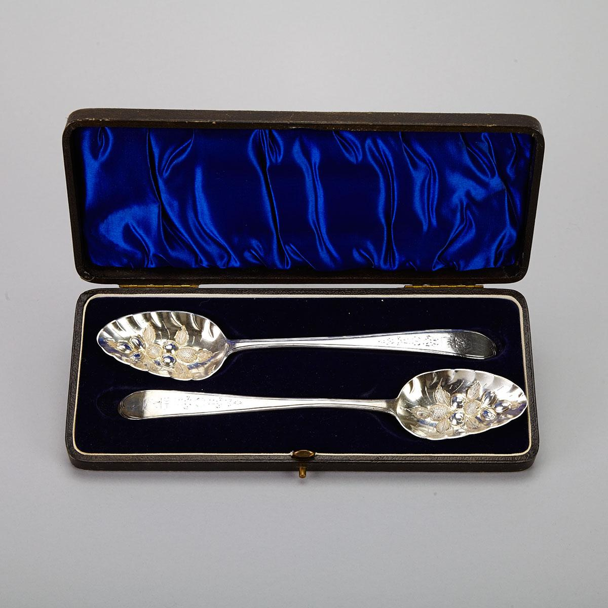 Pair of George III Irish Silver Berry Spoons, Jonas Osbourne, Dublin, 1794