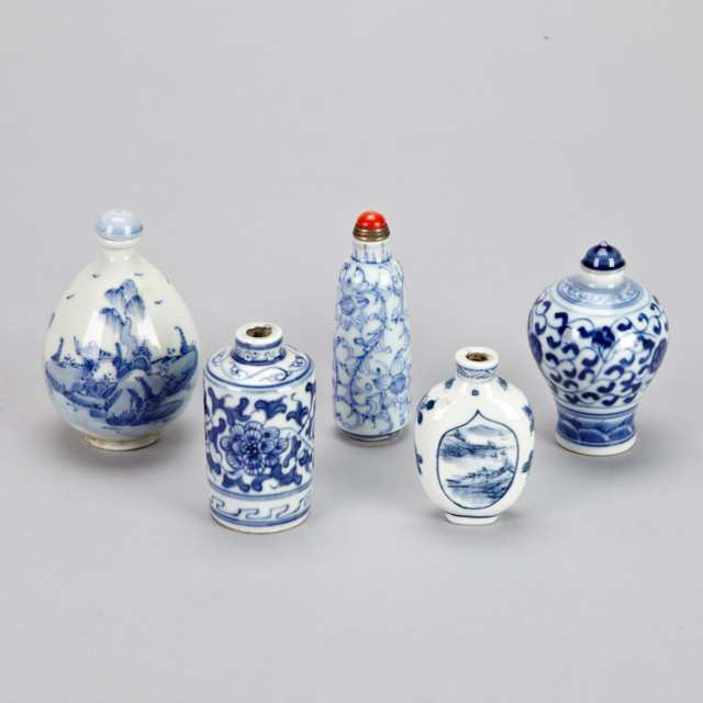 Five Blue and White Snuff Bottles, 19th/20th Century