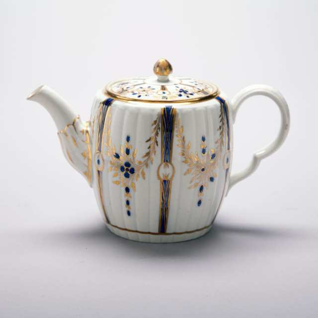 Caughley Fluted Teapot, c.1780