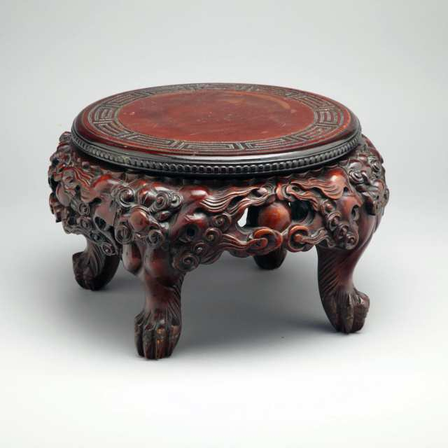 Large Japanese Red Lacquered Wood Stand, Meiji Period, 19th Century