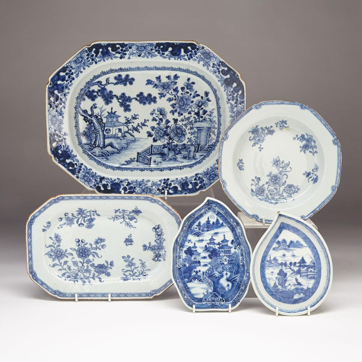 Five Export Blue and White Porcelain Wares, 18th/19th Century