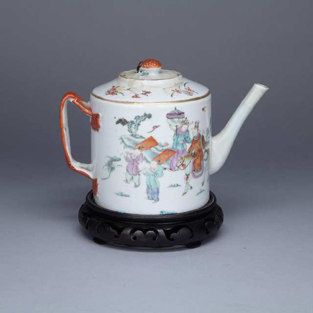 Famille Rose Figural Teapot, Tongzhi Mark and Period (1862-1874)