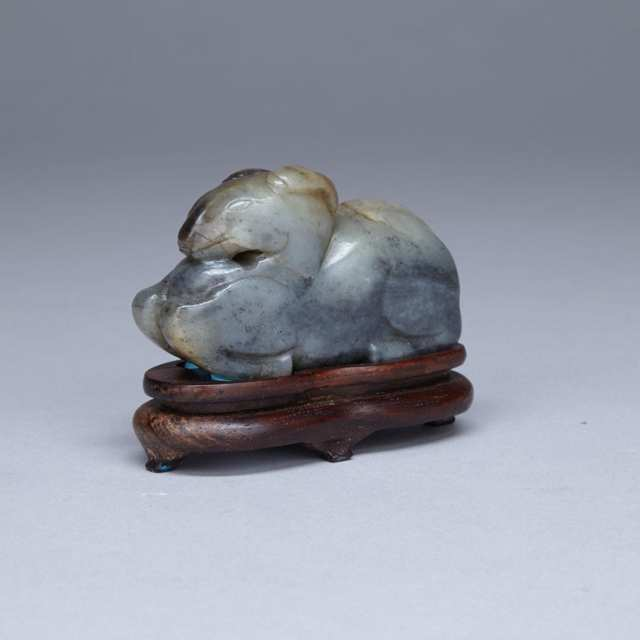 Greyish Jade Carving of a Recumbent Goat, 16th/17th Century