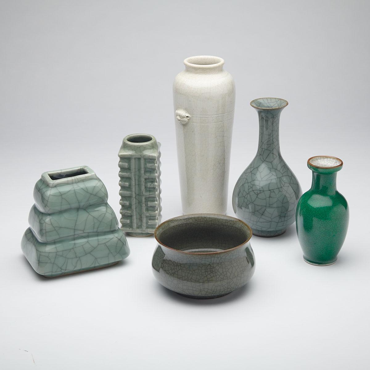 Group of Six Crackle Glazed Porcelain Wares, 19th/20th Century
