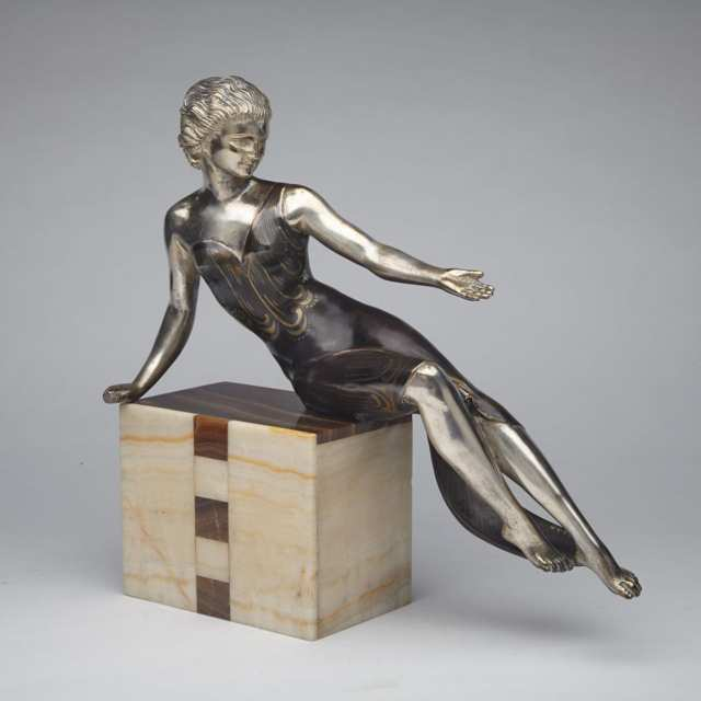 French Art Deco Bronze and Onyx Model of a Young Woman, c.1925