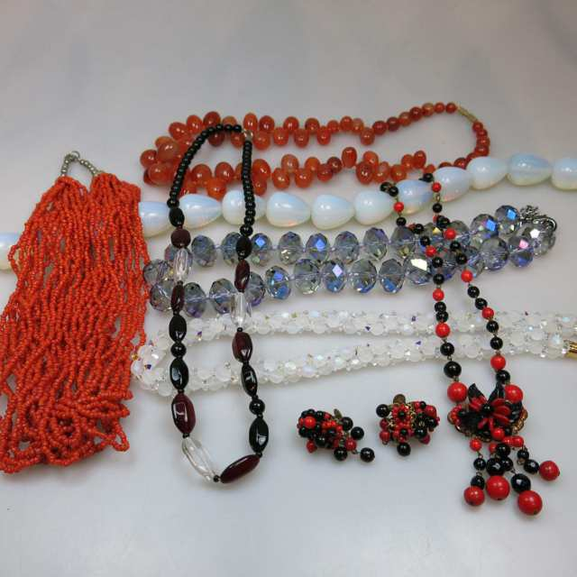 Small Quantity Of Various Pieces Of Costume Jewellery
