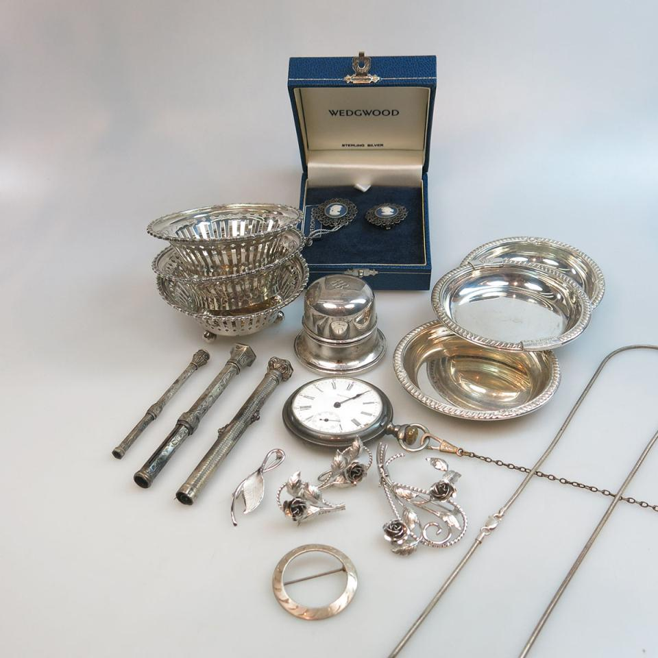 Quantity Of Silver Jewellery And Accessories