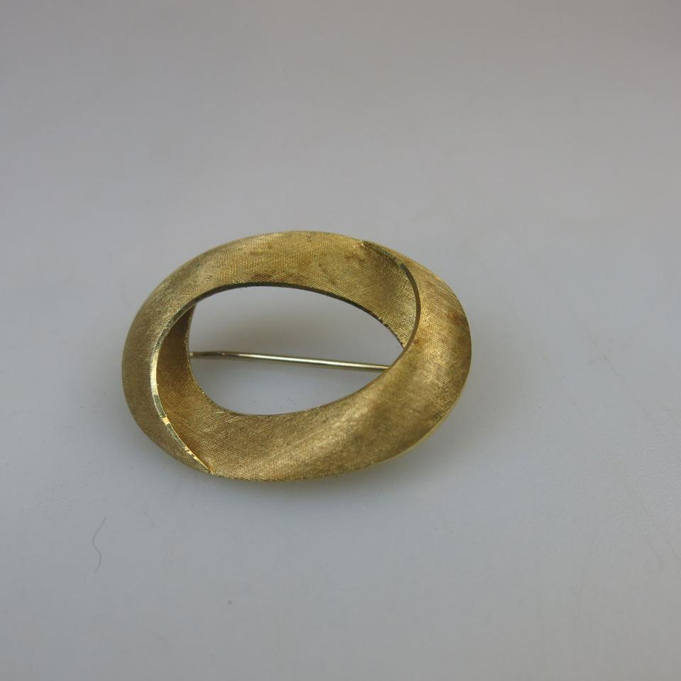 18k Yellow Gold Oval Brooch