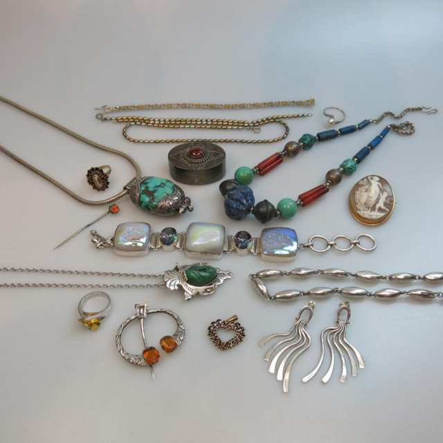 Small Quantity Of Various Silver And Gold-Filled Jewellery