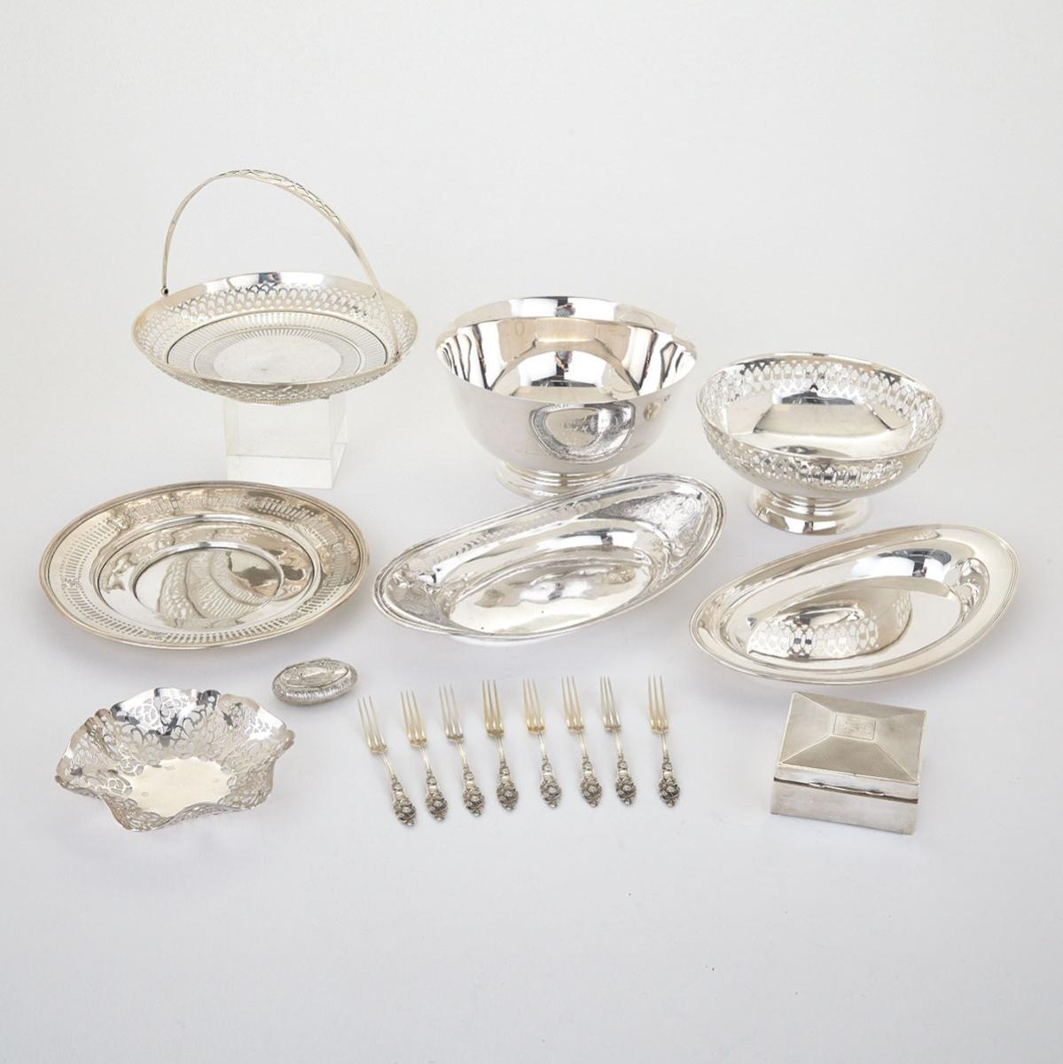 Grouped Lot of Silver Articles, 20th century