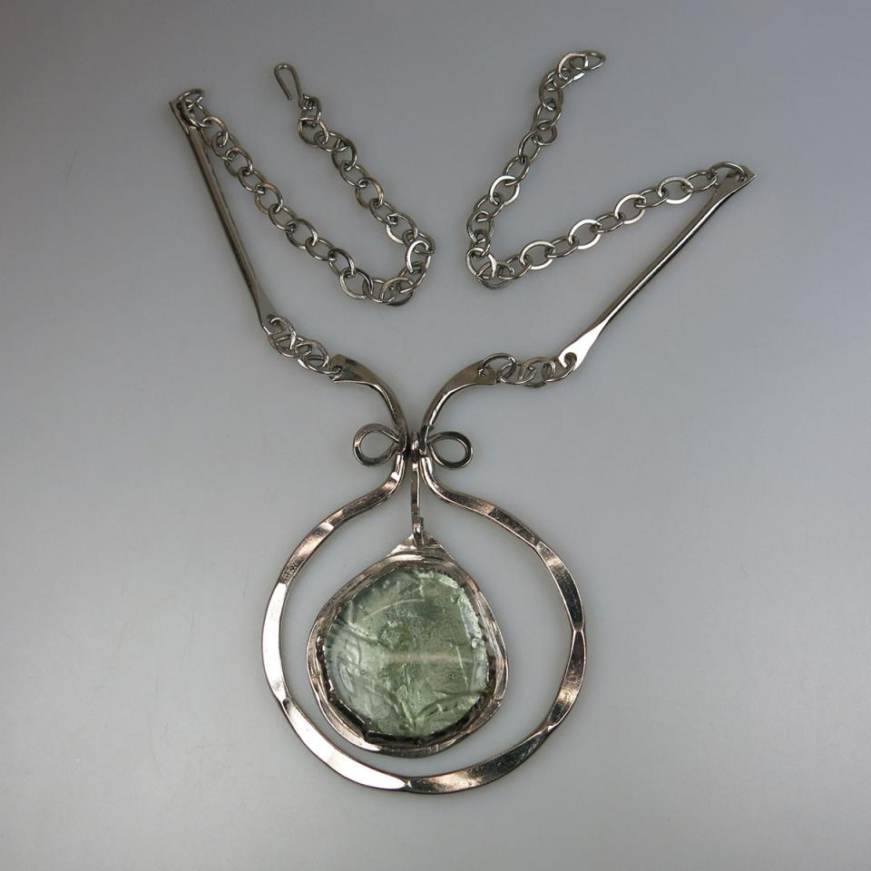 Rafael Canadian Chromed Metal Chain And Pendant