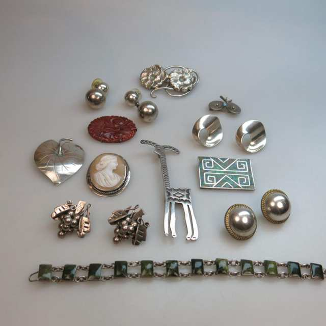 Quantity Of Silver Jewellery