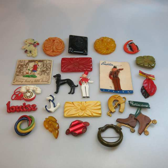 Quantity Of Bakelite And Plastic Earrings