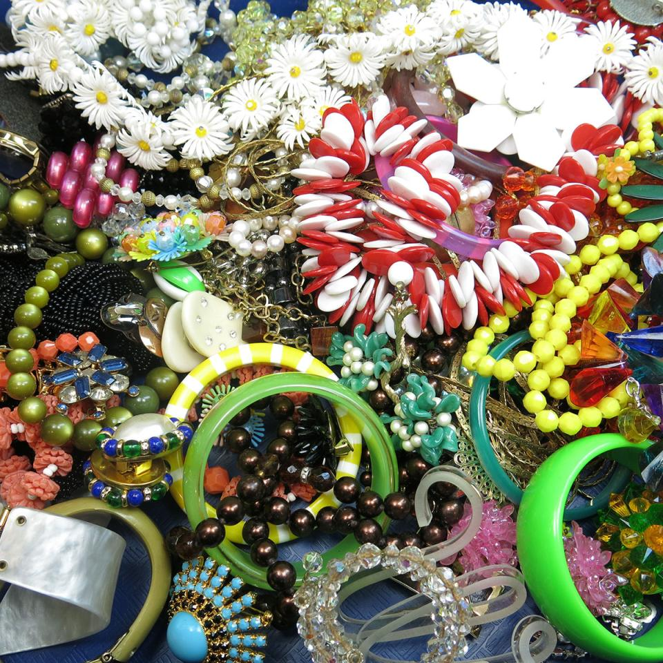 Quantity Of Costume Jewellery And Watches