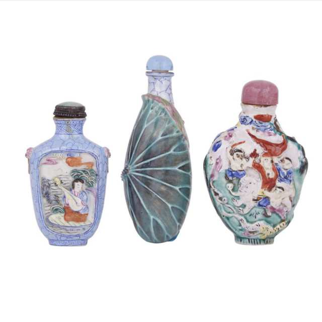 A Set of Three Moulded Porcelain Snuff Bottles, Qing Dynasty