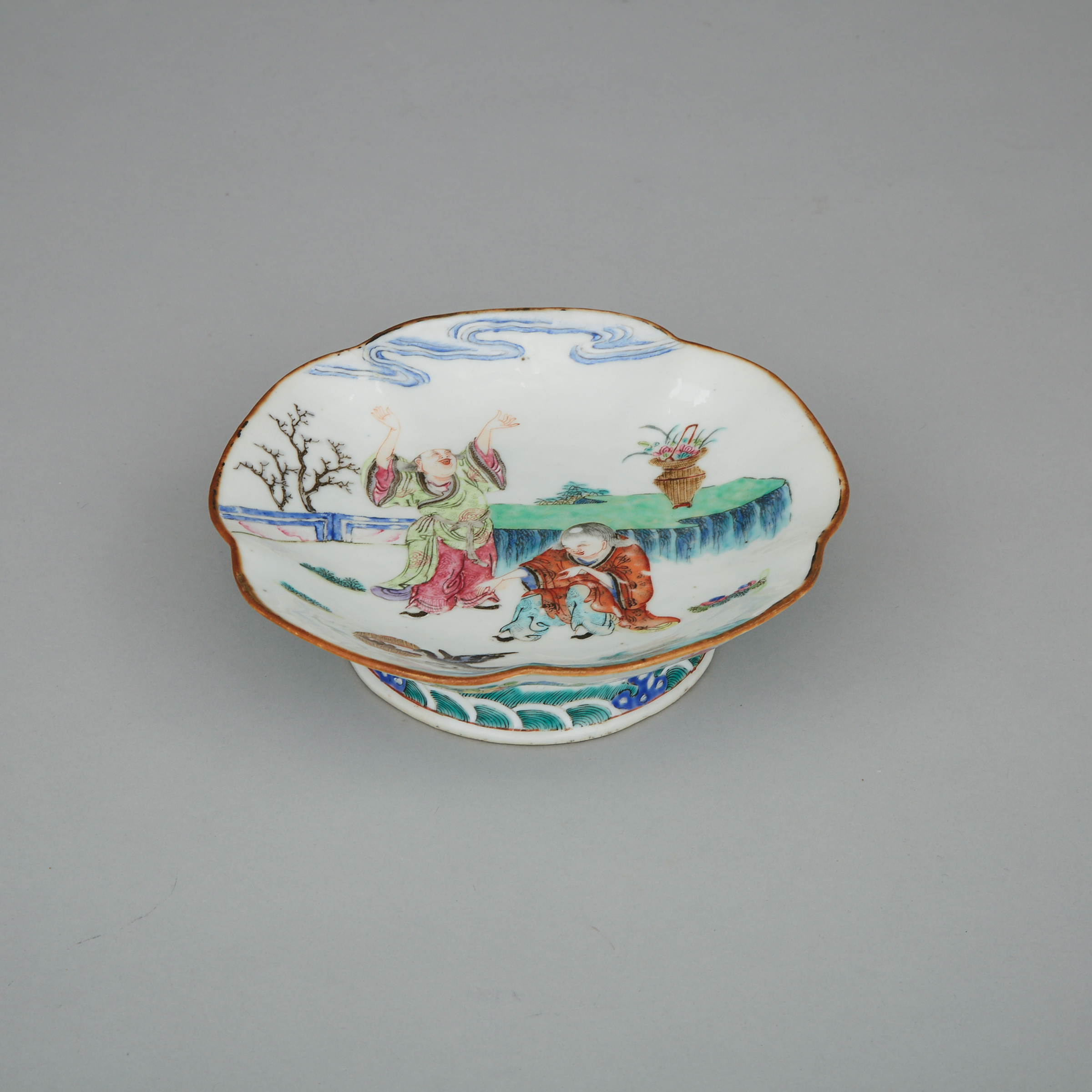 A Famille Rose Footed Dish, Tongzhi Mark